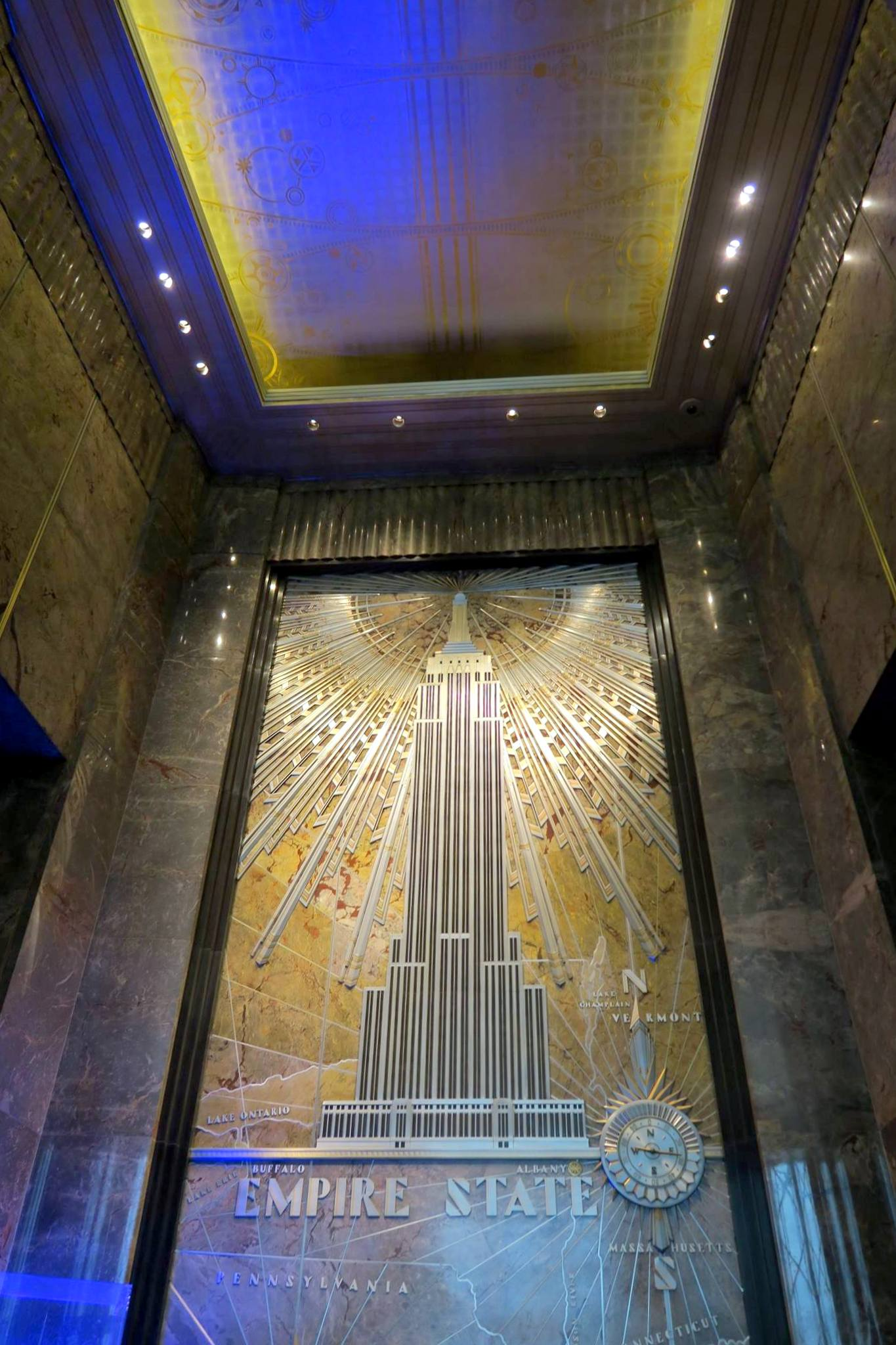 Entrance to the Empire State Building